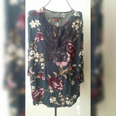 Plus size top Floral with design Sonoma Tops Blouses