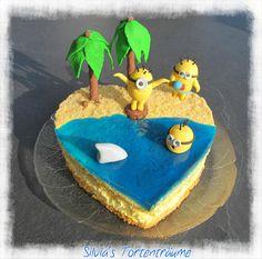 Silvia's Tortenträume: Minions Strand  Kuchen Torte Cake  Hai Palmen Fondant Motivtorte Jelly-Decor Wasser  Infos & Rezept zu der Torte findet ihr hier: https://www.facebook.com/SilviasTortentraeume/posts/828908547210135