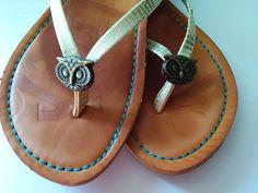 Susie Qute: Crafty:  Flip Flop Button Embellishment DIY