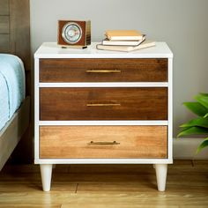Christian 3-drawer Nightstand