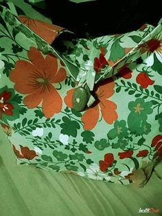 Bolso tela lona estampado agarres gruesos 8 cm forrado con boton de madera