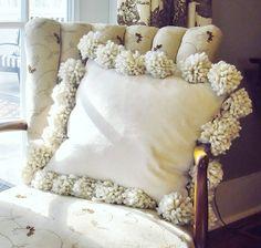 Pom-pom pillow....so easy to make :)