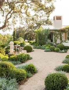 Magical Front Yard And Backyard Gravel Garden Design Ideas 35 Pea Gravel Patio, Gravel Landscaping, Swimming Pool Landscaping, Landscaping Ideas, Patio Ideas, Backyard Ideas, Garden Ideas, Pool Ideas, Modern Landscaping
