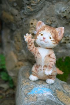 Needle felted cat by mishmashim on Etsy
