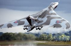 Avro Vulcan, reach for the skies Navy Aircraft, Ww2 Aircraft, Military Jets, Military Aircraft, Vickers Valiant, Airplane History, British Airline, Toad In The Hole, Avro Vulcan