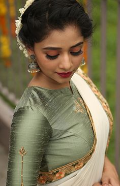 17 Ideas dress pattern indian blouse designs You are in the right place about kids blouse designs He Indian Blouse Designs, Kerala Saree Blouse Designs, Saree Blouse Patterns, Fancy Blouse Designs, Designer Blouse Patterns, Blouse Neck Designs, Traditional Blouse Designs, Designer Dresses, Sari Design