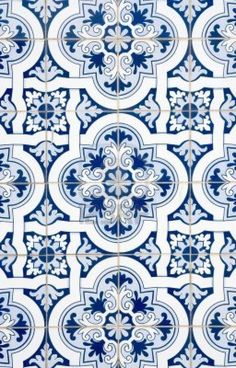 Portuguese Tiles, Classic & Traditional * More texture inspiration . - Portuguese Tiles, Classic & Traditional * You can find more texture inspiration at www. Tile Patterns, Textures Patterns, Print Patterns, Blue Tiles, White Tiles, Tile Art, Mosaic Tiles, Tile Painting, Pool Tiles
