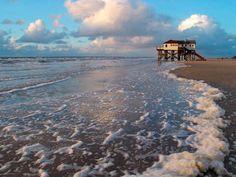 Pfahlbau Böhler Strand, Sankt Peter-Ording, Wattenmeer, Schaum of artist Prisma (F1 Online) as framed image