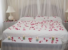 Bedroom, Adorable And Romantic Red Hearts Bedroom Hotel ...