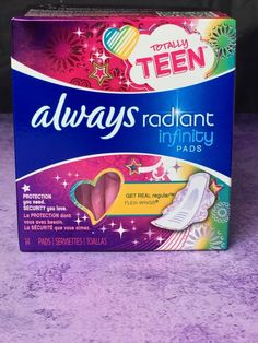 Always Radiant Pads for teens their period Girl Survival Kits, School Survival Kits, Survival Tips, Wilderness Survival, Period Kit, Period Hacks, Period Starter Kit, School Emergency Kit, Emergency Kits