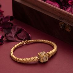 New Gold Jewellery Designs, Gold Mangalsutra Designs, Gold Ring Designs, Gold Bangles Design, Gold Rings Jewelry, Bridal Jewelry, Handmade Jewellery, Men's Jewelry, Pearl Jewelry