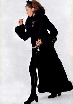 Yves Saint Laurent. L'Officiel magazine 1967
