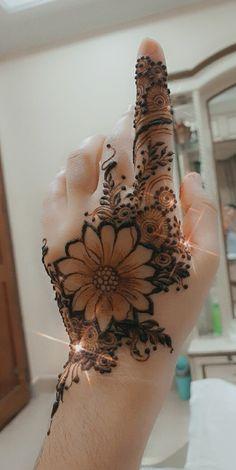 Simple Mehndi Designs Fingers, Pretty Henna Designs, Henna Tattoo Designs Simple, Floral Henna Designs, Back Hand Mehndi Designs, Latest Bridal Mehndi Designs, Full Hand Mehndi Designs, Henna Art Designs, Mehndi Designs For Beginners
