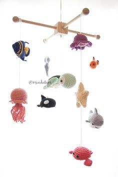 Crochet Baby Mobiles, Crochet Mobile, Crochet Lovey Free Pattern, Crochet Patterns, Crochet Gifts, Crochet Toys, Baby Crib Mobile, Crochet Animals, Stuffed Toys Patterns