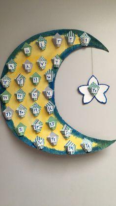From making Ramadan paper lanterns, to drawing crescent moons and stars on the w… - Diy Home Decor Eid Crafts, Ramadan Crafts, Diy And Crafts, Crafts For Kids, Kids Diy, Decor Crafts, Design Crafts, Eid Ramadan, Ramadan Mubarak