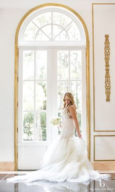Stunning Bridal picture at Chateau Cocomar by Blanca Duran Photography