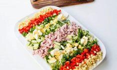 8 skvělých nápadů na chutné saláty s kukuřicí. Pokud máte rádi kukuřici, určitě si najdete ten správný recept na chutný salát, který během těchto dní oceníte hlavně na oběd nebo večeři po sladkých vánočních dobrotách. Salát můžete zvolit jako přílohu nebo i jako hlavní jídlo, případně jako chutnou večeři. Pokud nemáte rádi majonézu, nebo chcete zdravější variantu, stačí ji nahradit bílým nízkotučným nebo řeckým jogurtem. S kuřecím masem, s paprikou, s bramborami, s hráškem nebo s klobáskou… Mayonnaise, Pak Choi, Cobb Salad, Kefir, Kimchi, Top Recipes, Cool Ideas, Side Dishes, Food Dinners