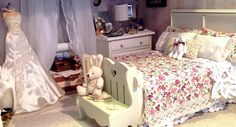 https://flic.kr/p/mA6cqz   next weekend, April 5th and 6th is the Shearwater craft and hobby show, Our doll club always have tables to show off our dolls, and dioramas. This year I'm doing a vintage style bedroom with Kyori getting ready to get married.   Furniture by Bo, bedding by me. I wanted the room to have a shabby chic and a vintage feel to it.