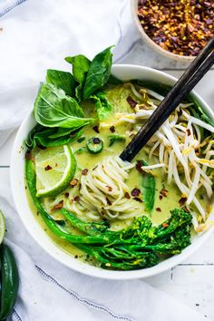 Our 10 Most Popular Thai Recipes! - Green Curry Noodle Soup + Plus 10 Warming THAI RECIPES to help take the chill out of winter Healthy Thai Recipes, Asian Recipes, Whole Food Recipes, Soup Recipes, Vegetarian Recipes, Cooking Recipes, Tai Food Recipes, Thai Soup Vegetarian, Thai Curry Soup