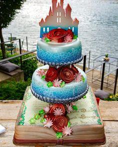 SAK bruidstaarten, only the brave. Exclusieve bruidstaarten voor bruidsparen die hun eigen weg bewandelen. Brave, Birthday Cake, Desserts, Food, Seeds, Tailgate Desserts, Deserts, Birthday Cakes, Essen