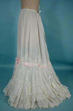 e415f4be7f137 Edwardian Clothing, Antique Clothing, Prarie Dress, 1900s Fashion,  Edwardian Fashion, Tea