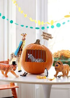 Skip the carving and try one of these ingenious yet kid-friendly ways to decorate a pumpkin with no muss, no fuss. Mini Pumpkins, White Pumpkins, Painted Pumpkins, Halloween Pumpkins, Halloween Decorations, Projects For Kids, Crafts For Kids, Diy Projects, Halloween House
