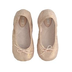 Shimmering ballet flats - great for A for spring & summer