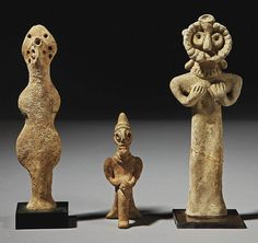 Buy online, view images and see past prices for TROIS IDOLES EN TERRE CUITE. Invaluable is the world's largest marketplace for art, antiques, and collectibles. Ancient Near East, Idole, Clay Figurine, Ancient Civilizations, Artemis, Little People, Prehistoric, Archaeology, Sculptures