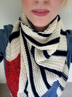 Hand knitted summer scarf made by Petit-Moricz of linen-wool magic yarn.
