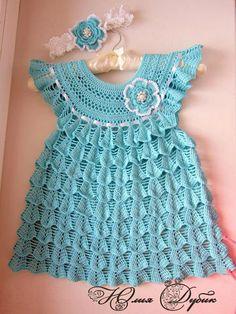 beside crochet: فساتين الكروشية في العيد.crocheted dresses with pattern Crochet Dress Girl, Baby Girl Crochet, Crochet Baby Clothes, Crochet For Kids, Baby Girl Frock Design, Baby Girl Frocks, Dresses Kids Girl, Baby Dresses, Baby Sweaters