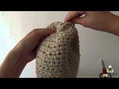 Conjunto de vídeos da DMC que explicam todos os passos/pontos para fazer um gorro em crochet.