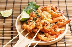 Garnelenspieße - 7 Tage Geschmack mit ECONO - cook - - Atıştırmalıklar - Las recetas más prácticas y fáciles Miso Butter, Garlic Butter, Butter Shrimp, Shrimp Skewers, Summer Dishes, Grilled Shrimp, How To Cook Shrimp, Butter Recipe, Kabobs