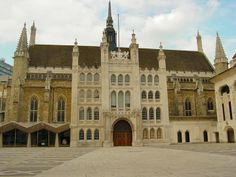 This gothic building is London's Guildhall. Completed in 1430, Lady Jane Grey and Thomas Cranmer were placed on trial here in 1553 before their eventual executions.