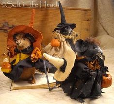 """""""The Mizzlewith Mice and So Much More """". Often when I sit in my workroom I just stare out into space and wait for the creative spi. Three Blind Mice, Mouse Crafts, Crochet Mouse, Primitive Fall, Bunny Art, House Mouse, Fall Projects, Country Crafts, Fall Halloween"""