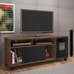 O rack é peça essencial na sala de estar. Os modelos com rodízio garantem ainda mais praticidade.