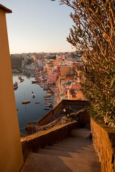 Procida, Italy (by Roland Ellison) - Procida, Italien (von Roland Ellison) - The Places Youll Go, Places To See, Beautiful World, Beautiful Places, Northern Italy, Travel Aesthetic, Dream Vacations, Dream Vacation Spots, Vacation Places