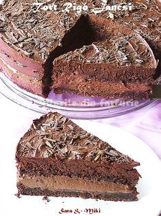 Cake Rigó Jancsi-colors on your plate Chocolate Filling For Cake, Chocolate Mousse Cake, Chocolate Desserts, Sweet Recipes, Cake Recipes, Dessert Recipes, Fudge Shop, Alcohol Cake, Romanian Desserts