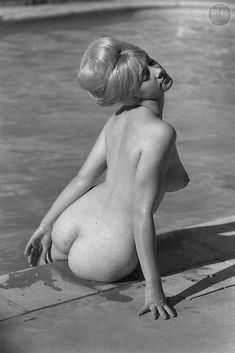 Nude-<3
