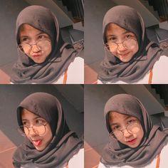 Muslim Fashion, Hijab Fashion, Hijab Tutorial, Selfie Poses, Hijab Chic, Girl Hijab, Tumblr Girls, Ulzzang Girl, Girl Photos