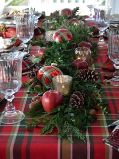 DIY Christmas Table Decoration Ideas Christmas decorations incorporate outdoor decorations, indoor decorations, Christmas table decorations, and other Elegant Christmas Decor, Magical Christmas, Rustic Christmas, Beautiful Christmas, Simple Christmas, Coastal Christmas, Christmas Island, Christmas Vacation, Modern Christmas