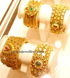 Jewellery Designs: Antique Bangles 40 Grams
