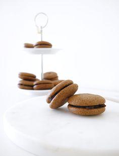 How to make Easy French Chocolate Macarons