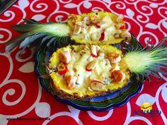 #gastronomiademexico Rica piña rellena de mariscos en el restaurante Mariscos Lupita de Acapulco. GASTRONOMÍA DE MÉXICO. Una de las delicias que podrás degustar en tu próximo viaje a Acapulco, son los mariscos y en el restaurante Mariscos Lupita, podrás probarlos de una innovadora forma, ya que los sirven en una deliciosa piña rellena que te encantará. Obtén más información, visitando la página oficial de Fidetur Acapulco.