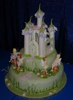 Audrey would go crazy for this cake! Beautiful Cakes, Amazing Cakes, Fairy Castle Cake, Momofuku Cake, Foto Pastel, Cake Story, Cake Topper Tutorial, Sculpted Cakes, Fairy Cakes