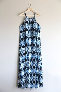 How to make a halter dress {easy sewing tutorial!} - It's Always Autumn - - How to make a halter dress {easy sewing tutorial!} - It's Always Autumn. Sewing Patterns Free, Free Sewing, Dress Patterns, Easy Dress Pattern, Pattern Sewing, Pattern Drafting, Dress Tutorials, Sewing Tutorials, Sewing Clothes