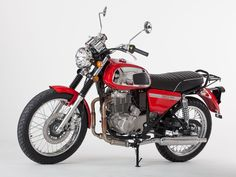 Jawa Moto has launched the four-stroke version of the Jawa 350 OHC. The Euro 4 compliant engine is sourced from the Chinese machine Shineray Royal Enfield, Bike India, Jawa 350, Cafe Racer Style, Old Motorcycles, Old Bikes, Classic Bikes, Sidecar, Automotive Industry