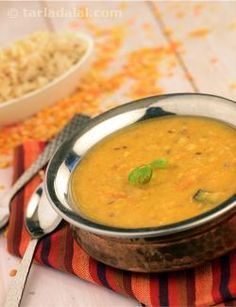 A delightful combination of five dals, simmered with not just whole spices but a bouquet of aromatic spice powders too! The Panch Ratani Dal also gets the right amount of tang from curds and tomatoes, which complements the spiciness very well. Rich in folic acid and fibre, this flavourful dal is also good for your heart.