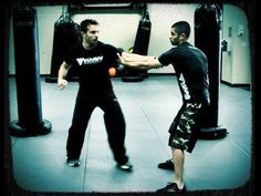 Krav Maga Technique: Best Self Defense Against Hair Grab & Arm Pull Krav Maga Self Defense, Self Defense Tips, Krav Maga Techniques, Fight Techniques, Israeli Krav Maga, Learn Krav Maga, Combat Training, Hand To Hand Combat, Martial Arts