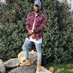 Instagram media by boogierawlinson - I ain't nothin like them trap guys... I mean I kinda do bag dimes, I kinda never do back down, Leave a n***a high via rap lines... #charlotte #704 #vegas #702 #yesterday #CarolinaMusicAwards