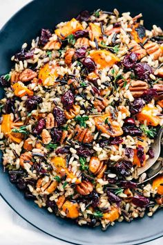 Sweet Potato Wild Rice Pilaf Cranberry Pecan Sweet Potato Wild Rice Pilaf is such an amazing side dish because it is infused with so many .Cranberry Pecan Sweet Potato Wild Rice Pilaf is such an amazing side dish because it is infused with so many . Side Dish Recipes, Veggie Recipes, Cooking Recipes, Healthy Recipes, Rice Salad Recipes, Healthy Thanksgiving Recipes, Vegetarian Thanksgiving, Thanksgiving Table, Farro Recipes
